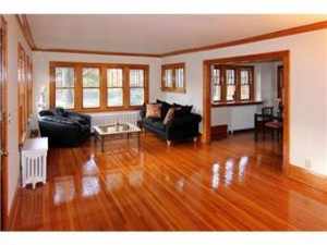 The case of the too shiny hardwood floors cristobal for Hardwood floors too shiny